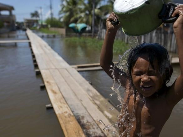 2015-07-01t014119z_825166240_gf10000145148_rtrmadp_3_brazil-flood