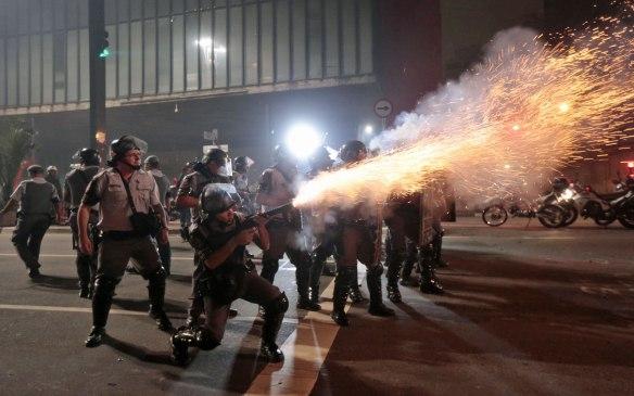 protesto_folha.jpg