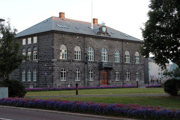 1280px-Alþingi_2012-07