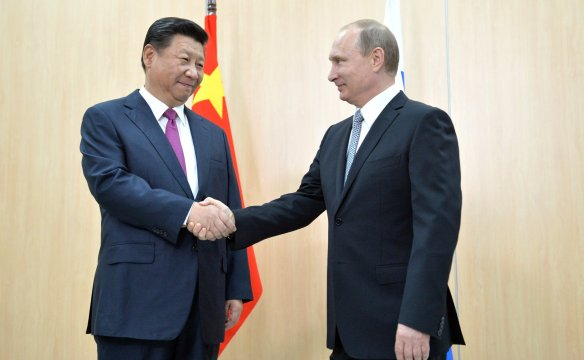 Vladimir_Putin_and_Xi_Jinping,_BRICS_summit_2015_01